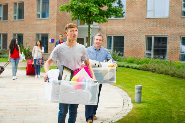 10 Essential Tips on Packing for and Moving to College