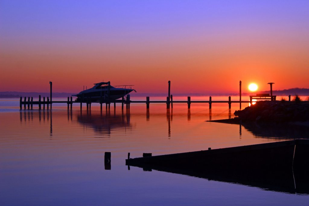A winter sunrise photo on the water in Maryland